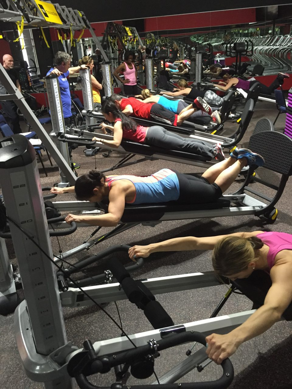 image of exercisers working out during a GRAVITY TRU:FORM
